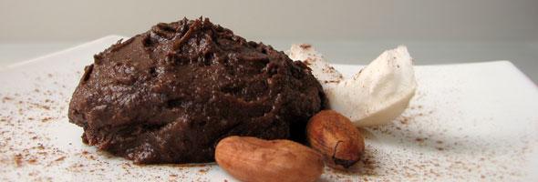 Čokoladni mousse z lešniki