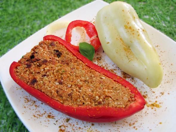 Polnjena paprika s curryjem