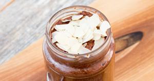 Čokoladni chia puding s kokosom