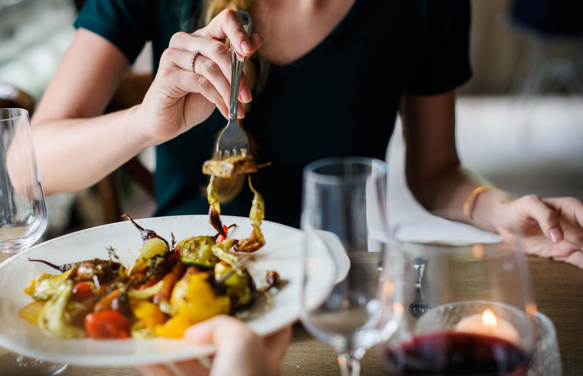 Kako trenirati čuječnost med jedjo